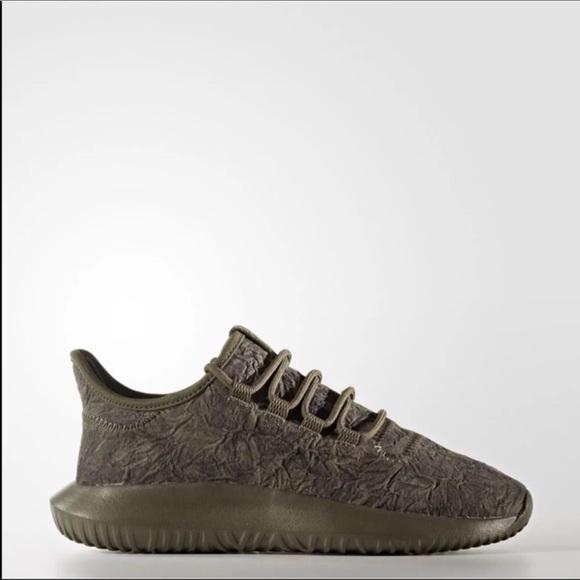Le adidas nuovi tubulare ombra ossidato 65 nuovi adidas poshmark dimensione giovanile b8873e